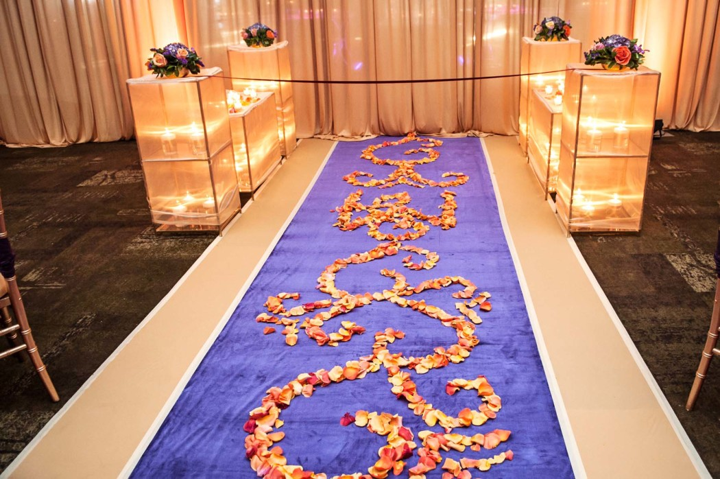 Carasco Photo_Luxury South Asian Wedding_Illuminated Aisle_0423