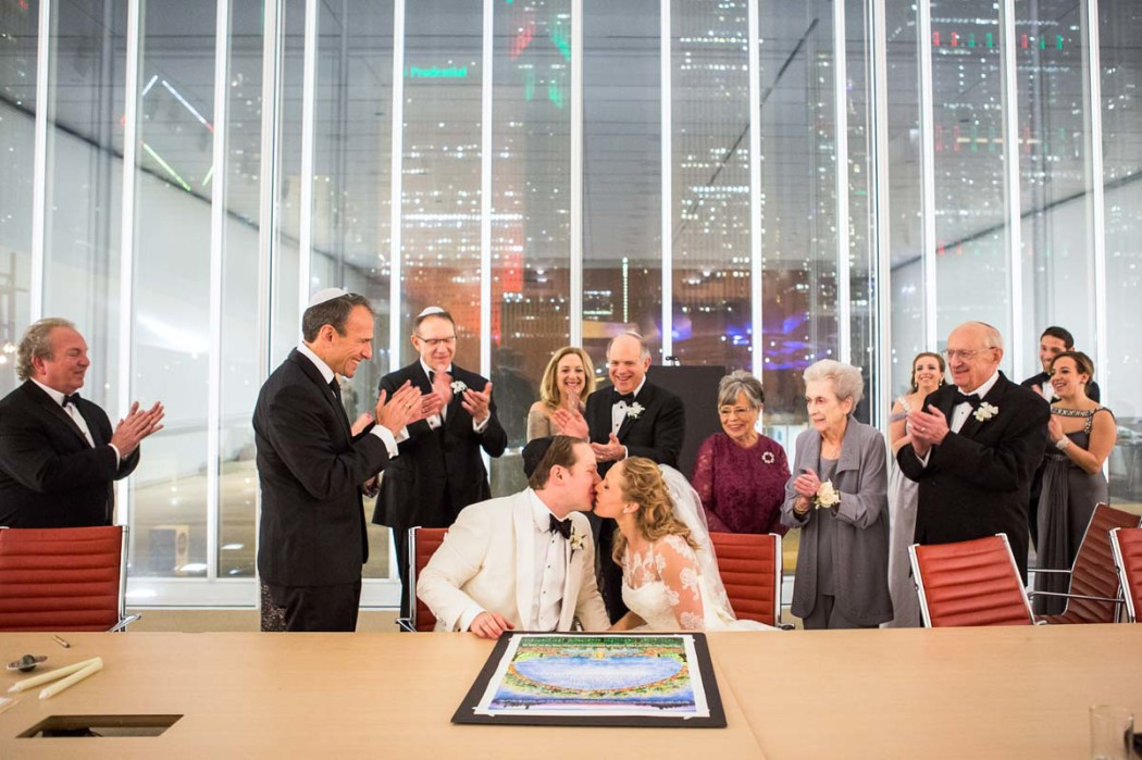 carly-and-jason_modern-wing_art-institute_jewish-wedding_hmr-designs_carasco-photo0025