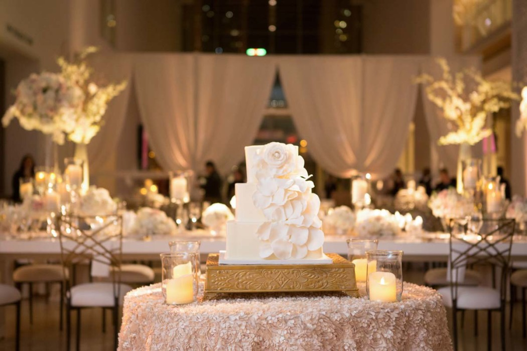 carly-and-jason_modern-wing_art-institute_jewish-wedding_hmr-designs_carasco-photo0041