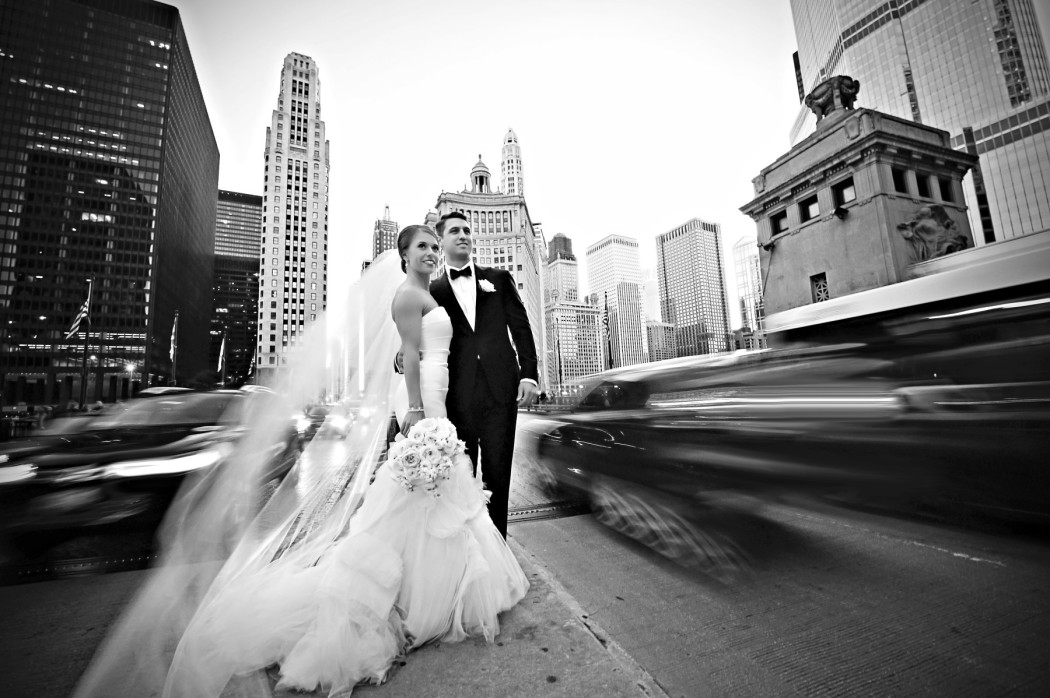 Carasco Photo_Bride and Groom_Michigan Avenue_Vera Wang_.jpg copy